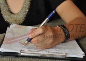 Handschriftliche Änderungen in einem Text eingeben